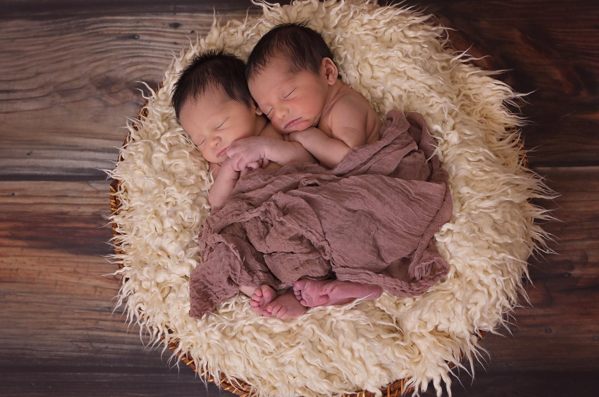 Dvě miminka