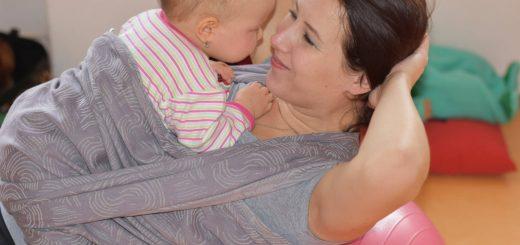 Cvičení s dětmi v šátku
